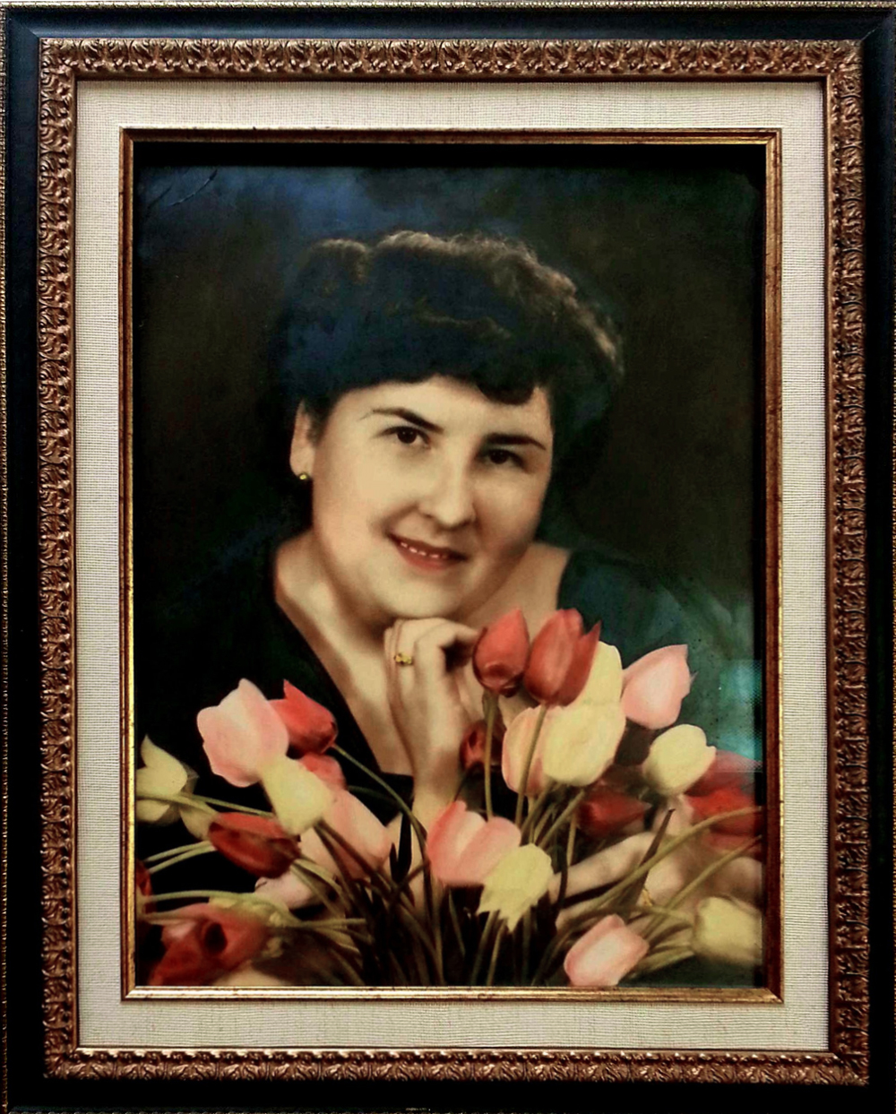 Custom picture framing photo restoration framing collectibles we treat all of your pieces with the utmost care from the moment you come in for a free consultation to the time when you pick up your completed work jeuxipadfo Images