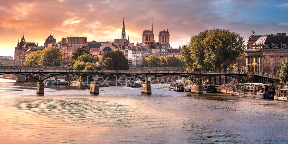 Morning on the Seine - photograph of a sunrise over Notre-Dame in Paris, France by Alex Krajewski